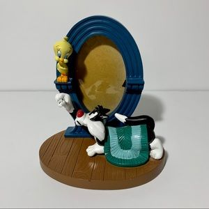 Looney tunes tweety and Sylvester picture frame